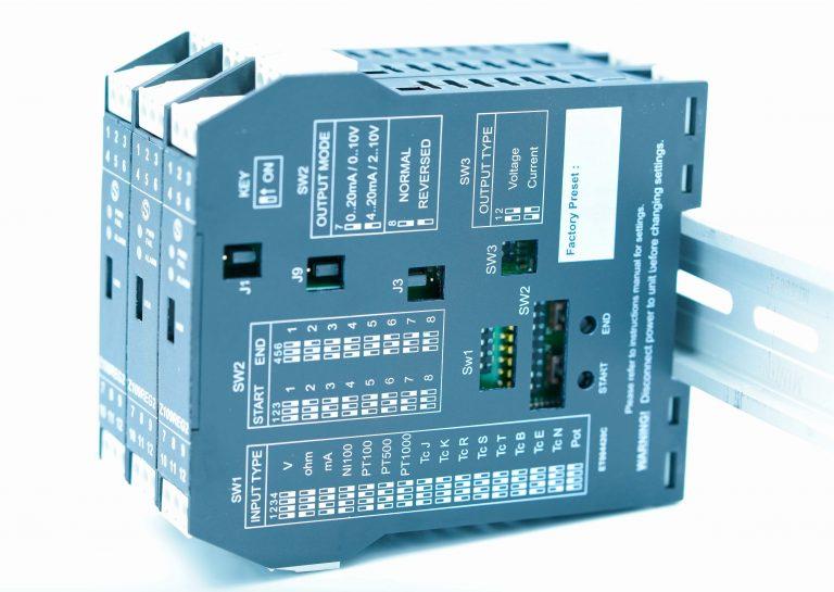 Bộ chuyển đổi tín hiệu 4-20mA sang 0-10V Z109REG2-1