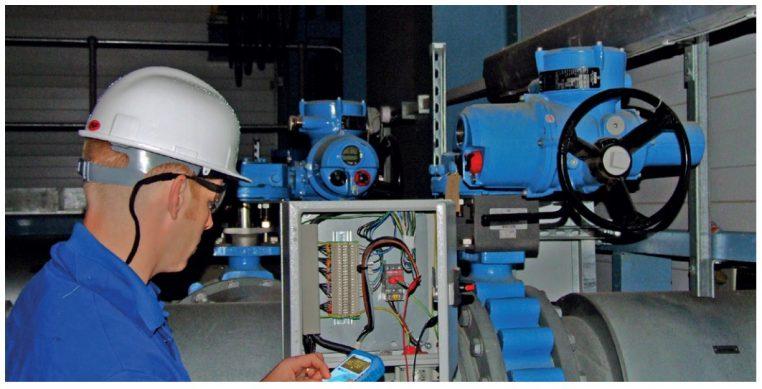 Dùng bộ phát dòng Test-4 để kiểm tra tín hiệu thiết bị